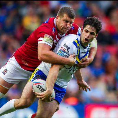 Clubb extends Wigan deal