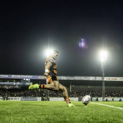 Castleford win late drama