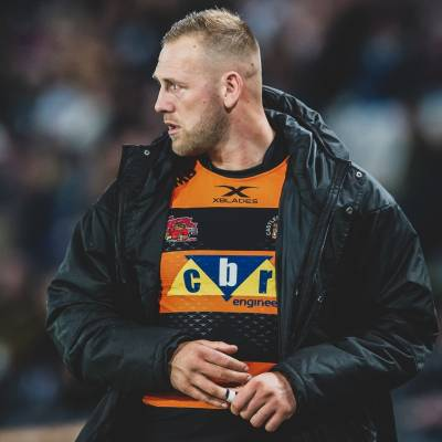 Watts extends Castleford deal