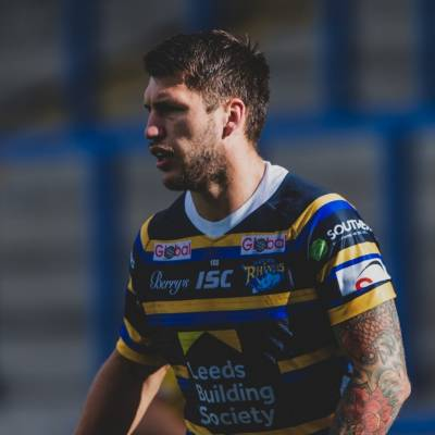 Tom Briscoe signs new Rhinos contract